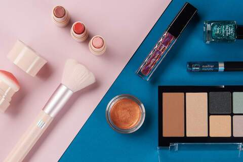 makeup, flatlay, contrast, colors, setup, shoot, content